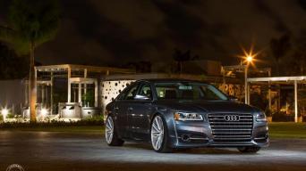 Audi S8/Gamintojo nuotrauka