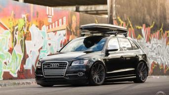 Audi SQ5 su Vossen ratais