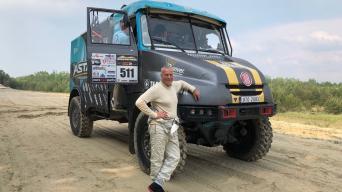 Aurelijus Petraitis prie Tatra sunkvežimio
