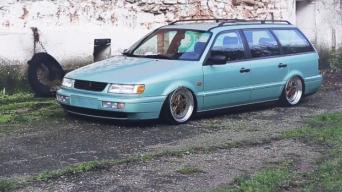 VW Passat B4 delfinas