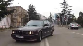 Driftas gatvėse su BMW M5