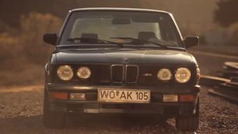 Ji įsimylėjusi BMW M535i E28