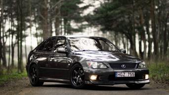 Lexus IS/Andriaus Sazanskio nuotrauka