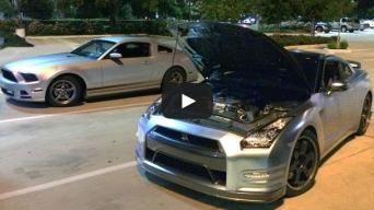 """575 AG turintis """"Ford Mustang"""" nubaudė """"Nissan GT-R"""" su 720 AG"""
