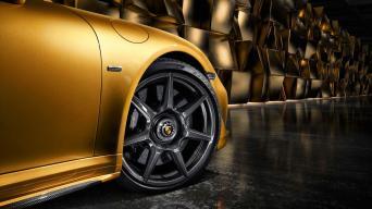 Anglies pluošto Porsche ratlankiai