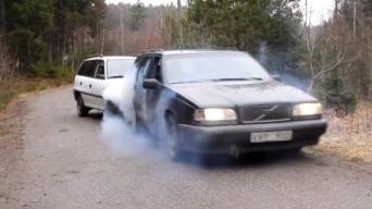 Volvo 850 ir Opel Astra