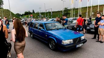 """Naktinis """"Volvo"""" ir """"SAAB"""" mylėtojų susitikimas/Organizatorių nuotr."""