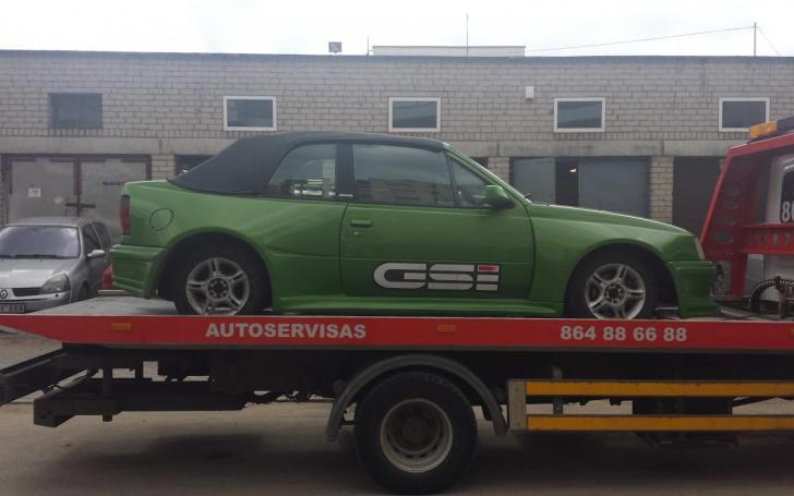 OPEL KADETT E - Stránka 6 Opel_kadett_gsi_1