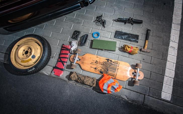Roberto automobilio bagažinės turinys/Mariaus Bendzelausko nuotrauka
